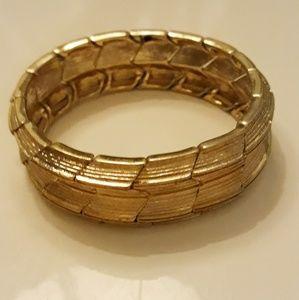 Gold Chevron Stretch Bracelet EUC